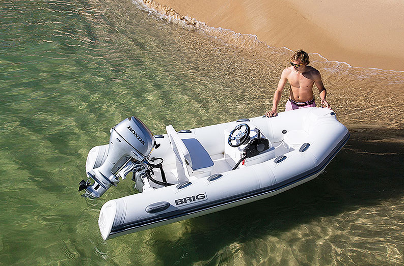 Know Why Owning a Small Boat Can be Damn Fun this Summer